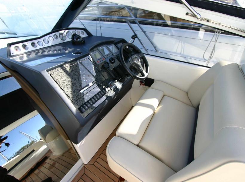 Bateaux Princess V42 - Cannes Rental - Location Yacht