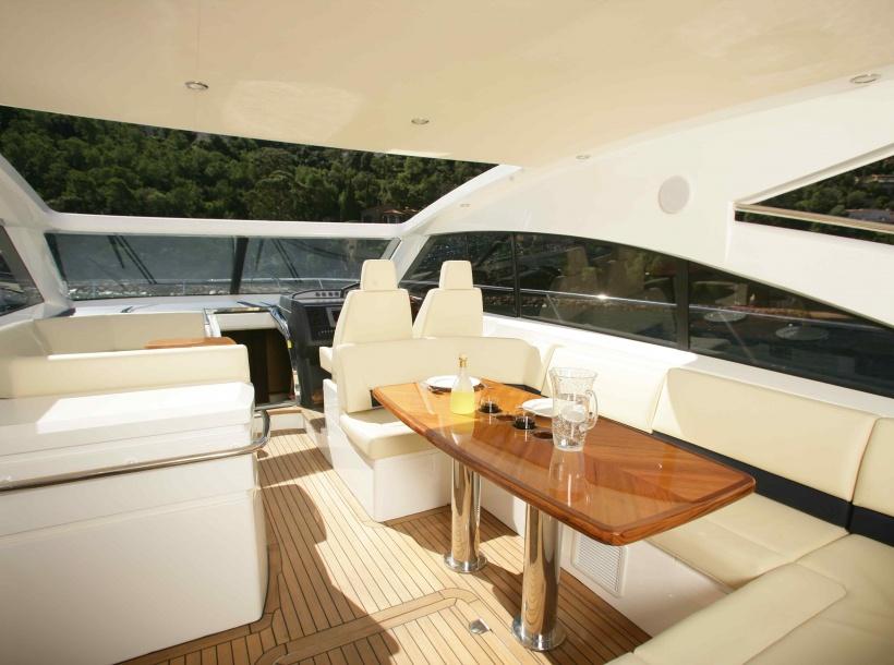 Bateaux PRINCESS V53 - Cannes Rental - Location Yacht