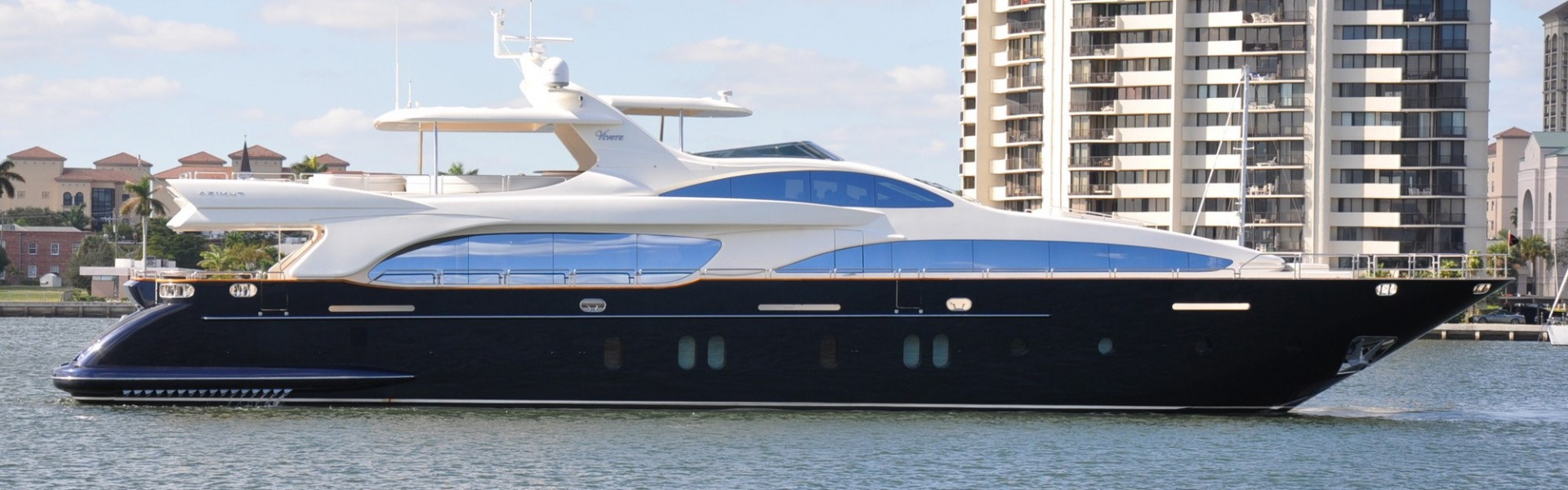 Location de yacht AZIMUT 116