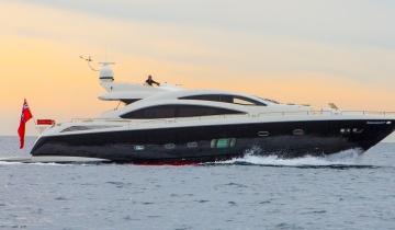 Location de yacht SUNSEEKER Predator 84