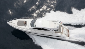 Location de yacht MANGUSTA 72
