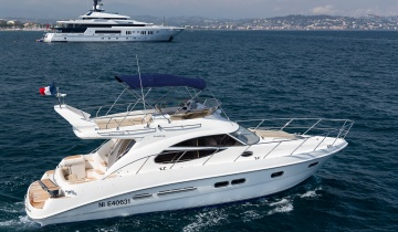 Location de yacht SEALINE F425