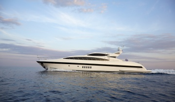 Location de yacht Mangusta 105 Sport