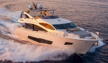 Location de yacht Sunseeker 86